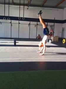 handstand2