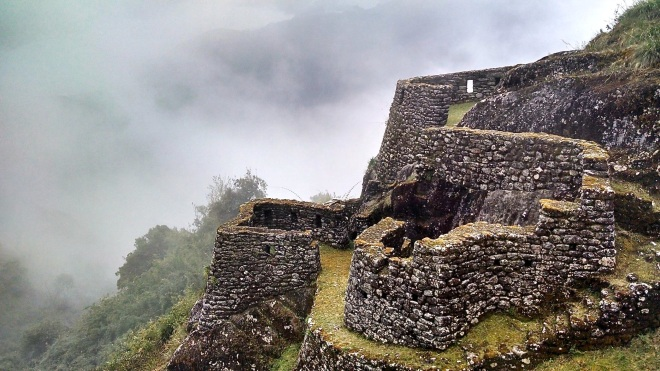 Foggy_Ruins